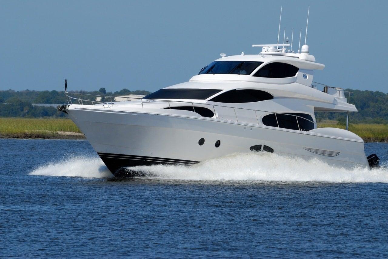 luxury-yacht-boat-speed-water-163236