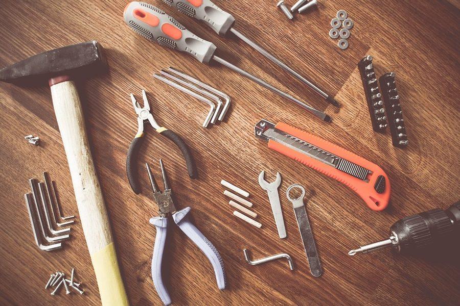tools-864983_960_720